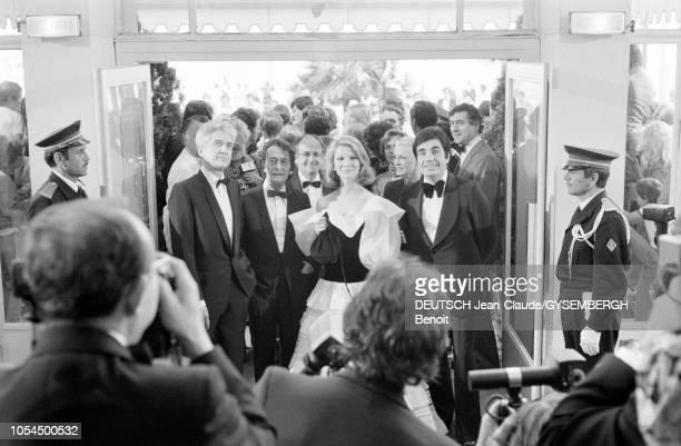 Le 33ème Festival de Cannes se déroule du 9 au 23 mai 1980 L'arrivée d'Alain RESNAIS réalisateur français venu présenter son film 'Mon oncle...