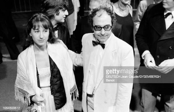 Le 33ème Festival de Cannes se déroule du 9 au 23 mai 1980 Nathalie BAYE actrice française avec le réalisateur francosuisse JeanLuc GODARD venu...