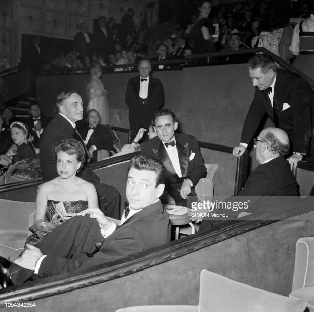 Le 6ème Festival de Cannes 1953 se déroule du 15 au 29 avril Le film Le salaire de la peur fait l'ouverture du festival HenriGeorges CLOUZOT assis...