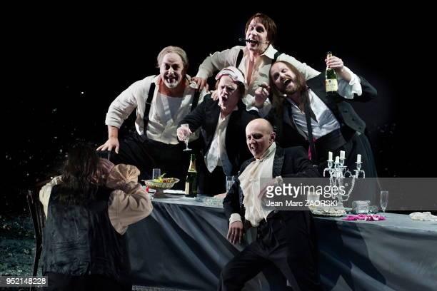 Le barytonbass allemand Markus Marquardt dans 'Les stigmatisés' un opera en trois actes de Franz Schreker créé en 1918 une nouvelle production mise...