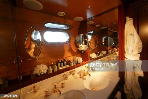 Le bateau de luxe de Mouna Ayoub, .