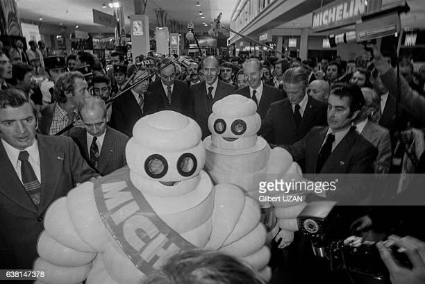 Le Bibendum Michelin au 69ème Salon de l'Automobile à Paris France le 2 octobre 1975