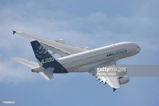 The Airbus A380 superjumbo airliner performs its flying display during the first day of the 47th Paris International air show 18 June 2007. The Paris...