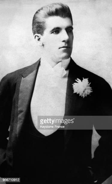 Le boxeur et comédien californien Jim Corbett dans son personnage de théâtre 'Gentleman Jack' qui charma sa future épouse Vera Taylor circa 1900 aux...