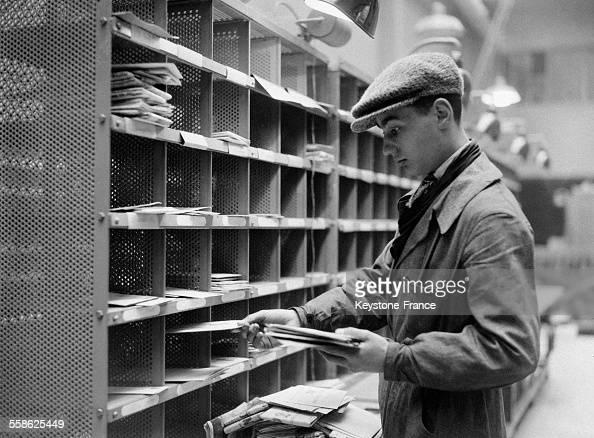 Bureau de poste pictures getty images