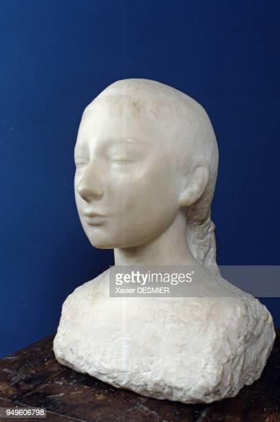 Le buste en marbre de Paulette de Charles Despiau au musée DespiauWlérick à MontdeMarsan dans les Landes France