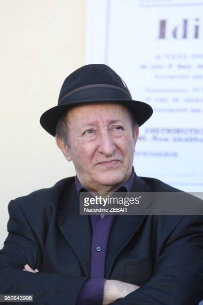 Le chanteur, auteur-compositeur-interprète et musicien algérien de musique kabyle Idir le 6 novembre 2015, lors de son retour dans sa région natale à...