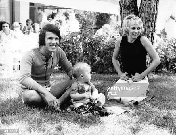 Le chanteur Salvatore Adamo avec sa femme Nicole et leur fils