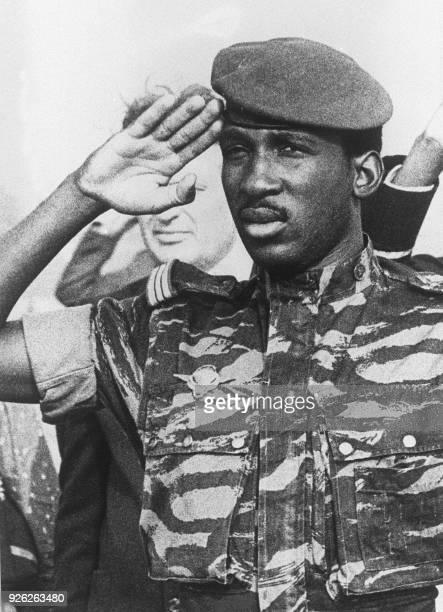 Le chef d'Etat du Burkina Fasso le Généra Thomas Sankara pose le 31 octobre 1984 dans sa capitale Ouagadougou AFP PHOTO / AFP PHOTO /