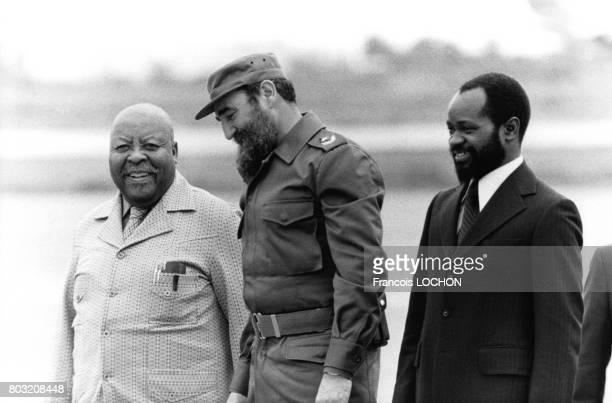Le Chef d'Etat et de la révolution cubaine Fidel Castro accueille le président et le premier ministre du Mozanbique Samora Machel et Leabua Jonatha...