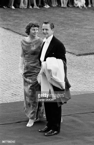Le chef du gouvernement Olof Palme et sa femme assistent au mariage de Christina de Suède et de Tord Magnuson à Stockholm le 15 juin 1974 Suède