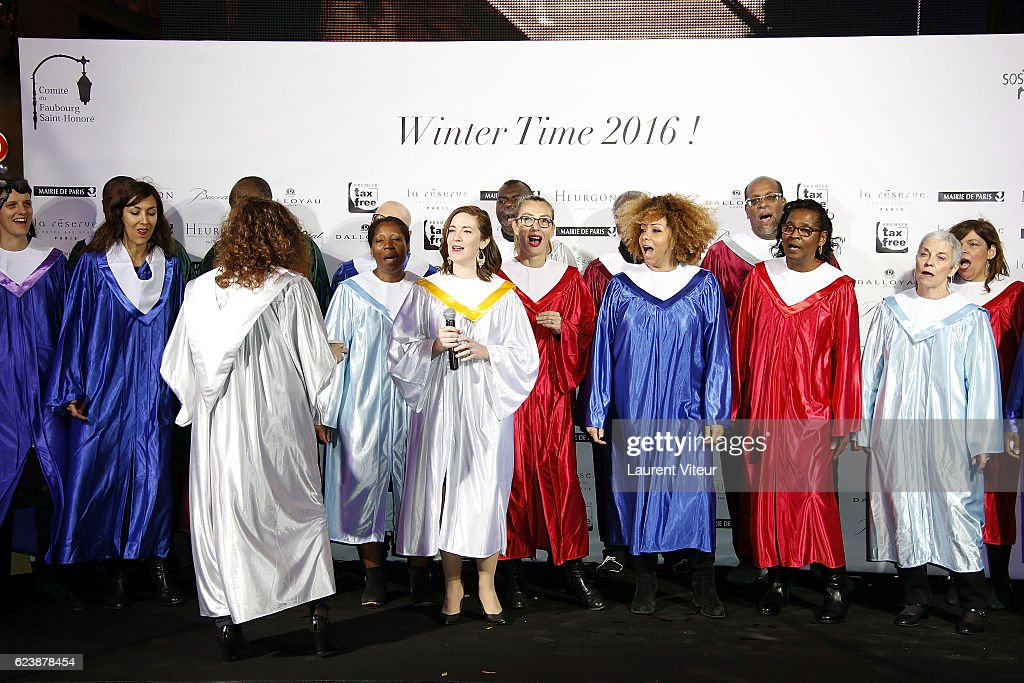"""Winter Time 2016"" :  Comite Du Faubourg Saint-Honore Launches Christmas Lighting To Benefit ""L'Association SOS Prema"" In Paris : News Photo"