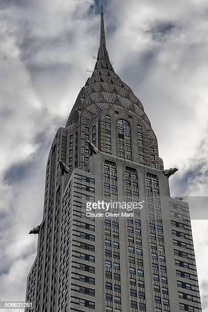 Le Chrysler Building d'une hauteur de 319 mètres jusqu'à la pointe de sa flèche1, il fut la plus haute structure du monde, après la tour Eiffel , en...