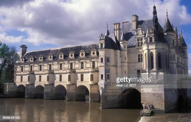 Le château de Chenonceau enjambant le Cher en mai 2000 à Chenonceaux France