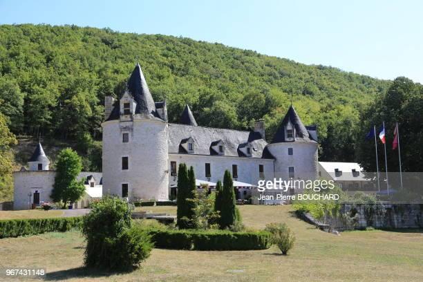 Le château de la Fleunie XIIe et XVe siècles sur la rive gauche de la Vézère aujourd'hui hôtel restaurant de luxe à CondatsurVézère en Périgord Noir...