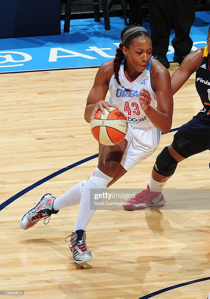 Le 'Coe Willingham #43 of the Atlanta Dream drives against the Indiana Fever at Philips Arena on September 4 2013 in Atlanta, Georgia.