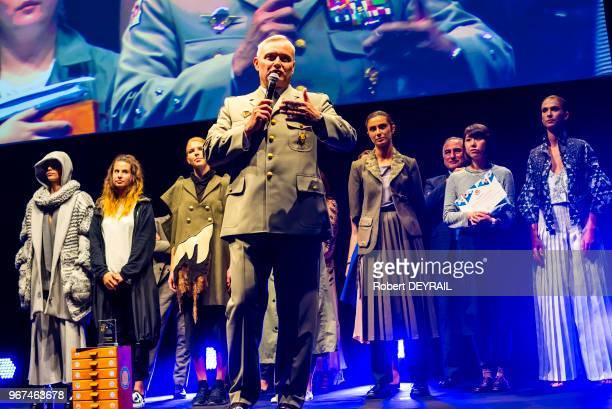 Le colonel Pierre Chevancy lors d'un défilé du projet 'Epopée des uniformes français' qu'il a mis en place afin de developper le sentiment de...
