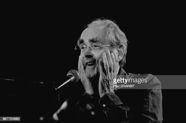 Le compositeur chef d'orchestre francais Michel Legrand lors d'un concert live le 20 mai 2010 à l'église SaintGermain des Prés Paris France