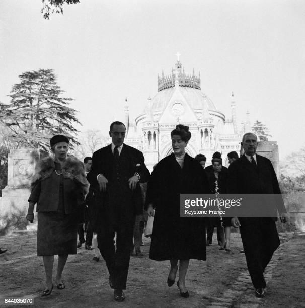 Le comte de Paris arrivant à la cérémonie de son petitfils à Dreux France le 4 mars 1961