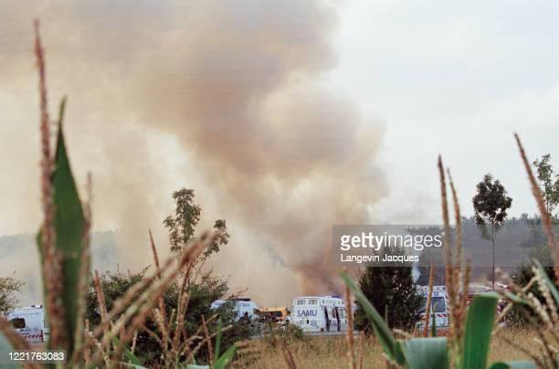 Le Concorde AF 4590 d'Air France à destination de New York s'est écrasé deux minutes après son décollage de l'aéroport de Roissy , faisant 113 morts....