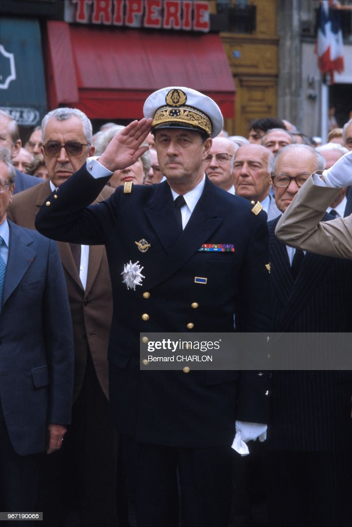 Philippe de Gaulle en uniforme lors d'une cérémonie : Photo d'actualité