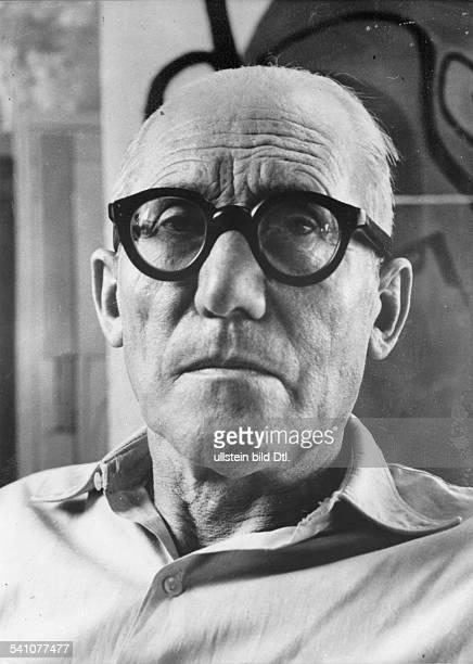 Le Corbusier *06101887Architekt Frankreich/SchweizPorträt 1958Foto Ida Kar