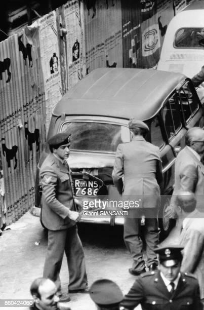 Le corps sans vie d'Aldo Moro président de la Démocratie Chrétienne a été retrouvé dans le coffre d'une voiture à Rome le 9 mai 1978 Rome Italie