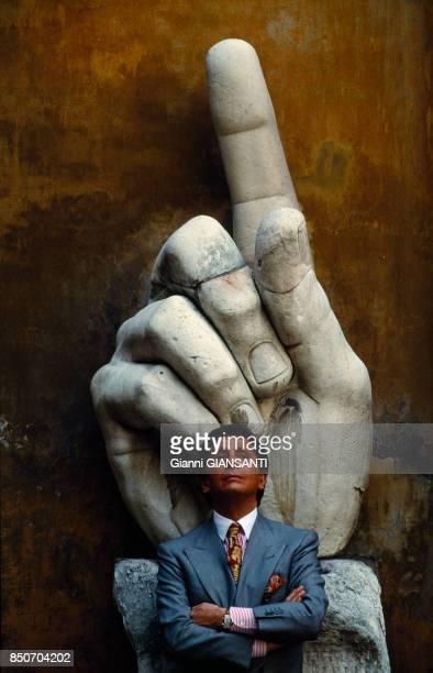 Le couturier italien Valentino Garavani au Musée Capitolini à Rome lors de ses 30 ans de carrière le 28 mai 1991 Italie