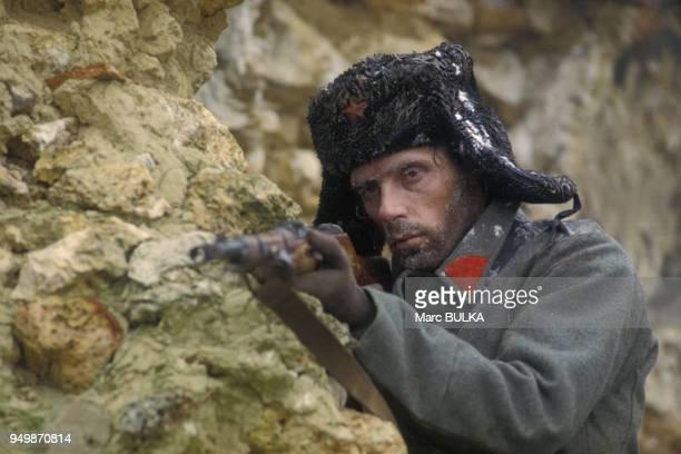Le danseur argentin Jorge Donn fait l'acteur sur le tournage du film 'Les uns et les autres' de Claude Lelouch, en France et aux Etats-Unis.