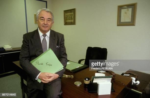 Le depute RPR Georges Tranchant intente un proces a Bernard Tapie en l'accusant dans la conduite d'affaire commune pour l'importation de produits...