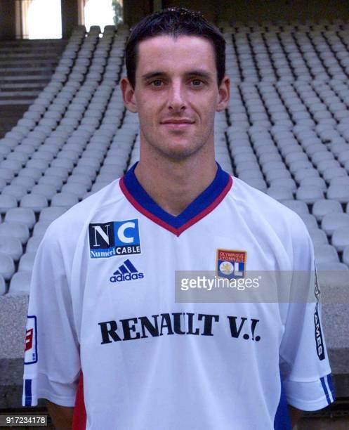 Le défenseur Jeremie Brechet pose pour la photo officielle de l'équipe de l'Olympique Lyonnais qui disputera le championnat de France de football de...