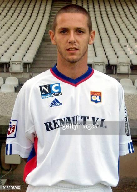 Le défenseur Laurent Montoya pose pour la photo officielle de l'équipe de l'Olympique Lyonnais qui disputera le championnat de France de football de...