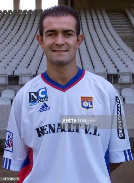 Le défenseur Philippe Violeau pose pour la photo officielle de l'équipe de l'Olympique Lyonnais qui disputera le championnat de France de football de...