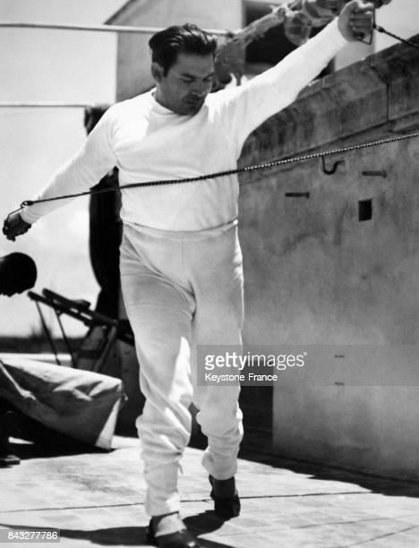 Le dictateur militaire cubain Fulgencio Batista fait de l'exercice circa 1930 à Cuba