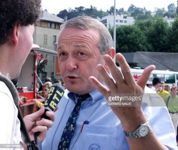 Le directeur de la Société du Tour de France, Jean-Marie Leblanc, refuse de s'exprimer sur la disqualification de l'Italien Marco Pantani, leader du...
