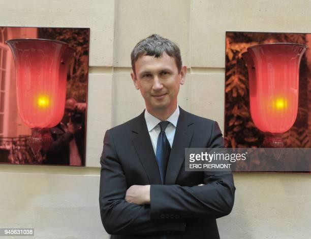 Le directeur général du groupe Iliad la maison mère des fournisseurs d'accès à internet Free et Alice Maxime Lombardini pose à Paris le 31 août 2010...