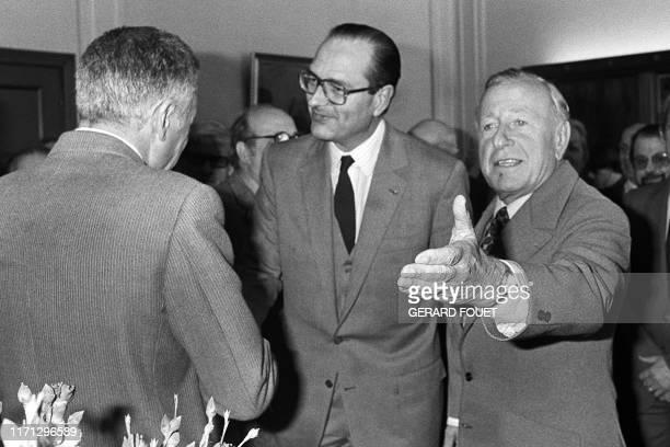 Le député maire de Toulon Maurice Arreckx , accueille le candidat aux élections présidentielles Jacques Chirac arrivé le 24 février 1982 pour un...