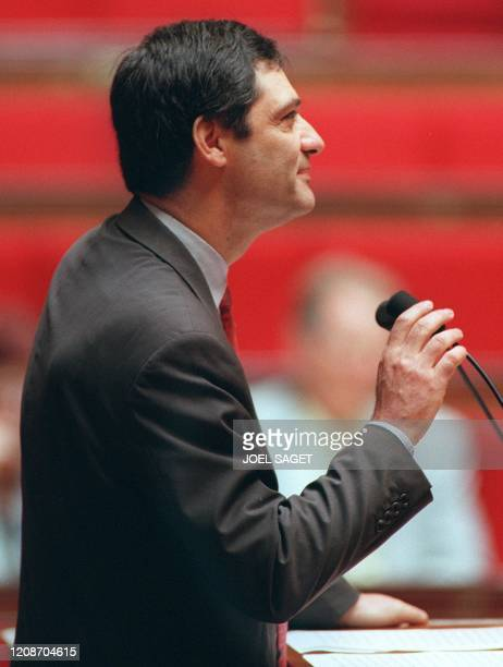 le député RPR de Paris Patrick Devedjian seul élu d'origine arménienne à l'Assemblée nationale s'exprime le 29 mai à Paris devant l'Assemblée sur le...