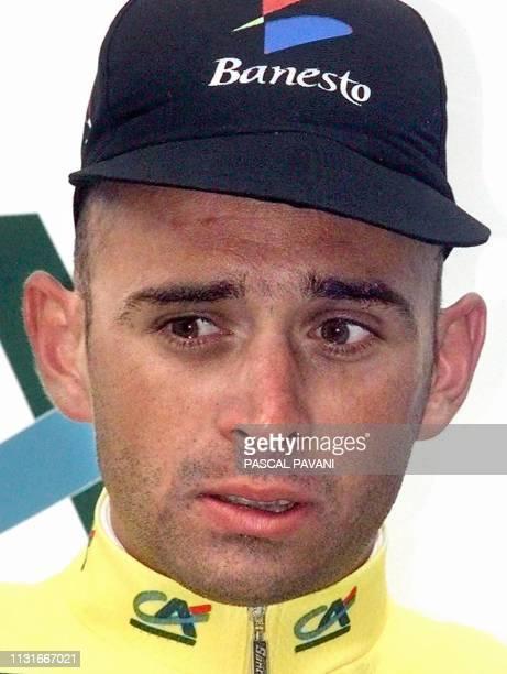 Le français Armand de Las Cuevas pose sur le podium le 14 Juin après avoir remporté la première place au classement général lors de la 7eme et...