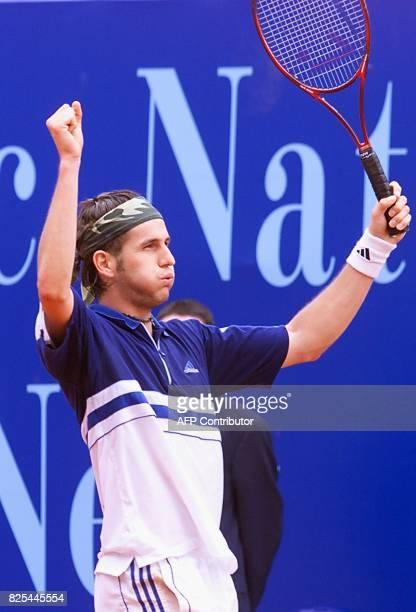 le Français Jérome Golmard exprime sa joie après sa victoire face à l'Espagnol Carlos Moya le 23 avril 1999 à Monaco lors des quarts de finales du...