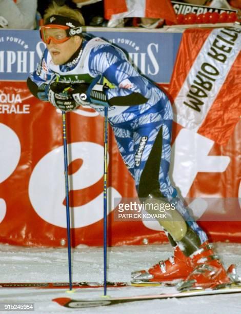 le Français Sébastien Amiez prend la 12e place au classement le 14 décembre à l'issue de la deuxième manche du slalom spécial hommes en nocturne de...