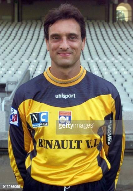 Le gardien de but Angelo Hugues pose pour la photo officielle de l'équipe de l'Olympique Lyonnais qui disputera le championnat de France de football...