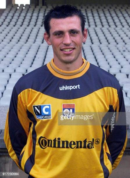 Le gardien de but Nicolas Puydebois pose pour la photo officielle de l'équipe de l'Olympique Lyonnais qui participera au championnat de France de...