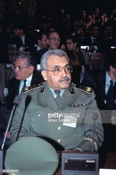 Le général Abdelmalek Guenaizia le 7 juin 1988 en Algérie