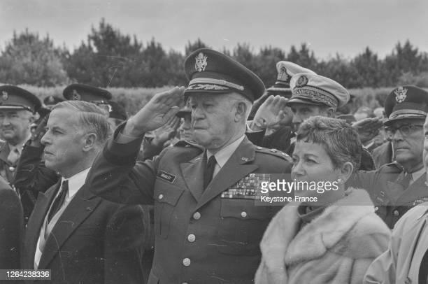 Le général Bradley et son épouse, France le 6 juin 1969.