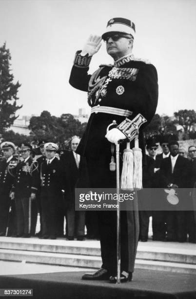 Le général Georges Zoitakis régent de Grèce lors de la parade militaire célébrant l'anniversaire de la révolution grecque contre les Turcs à Athènes...