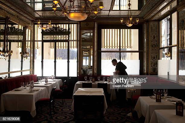 le grand vefour restaurant, paris - restaurant dating from the late 18th century - palais royal stock pictures, royalty-free photos & images
