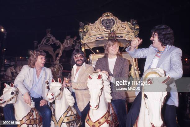 Le groupe musical britannique The Moody Blues dans une fête foraine à Paris le 6 juillet 1978 France
