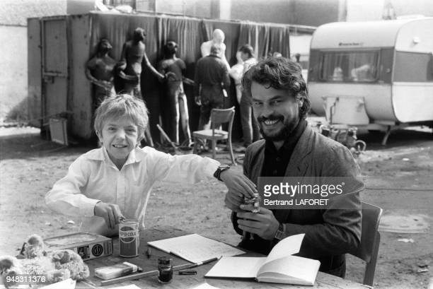 Le jeune David Bennent et l'acteur italien Michele Placido partenaire de sa soeur Anne sur le tournage du film 'Lulu' de Walerian Borowczyk 1er...