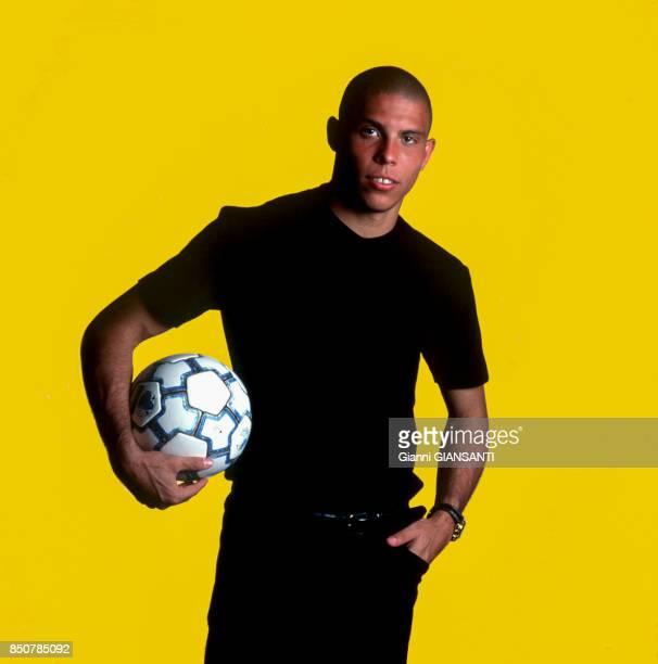 Le joueur de foot brésilien Ronaldo à Appiano Gentile le 18 mai 1998 Italie